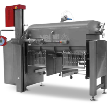 Mixers with unloading by hatches